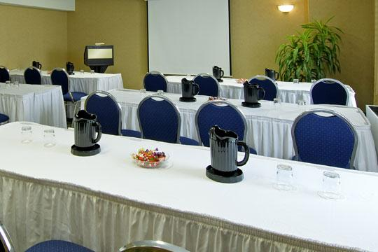 Photo 1 - London Hotel & Suites, 855 Wellington Road South, London, ON, Canada