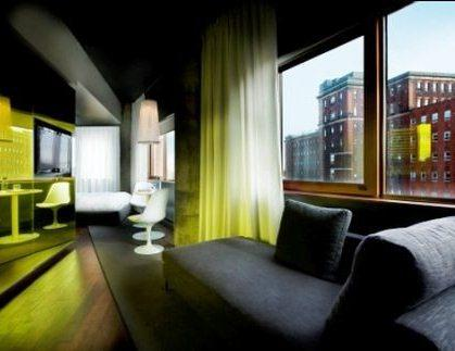 Photo 1 - Hotel Zero 1, 01 Rene-Levesque Blvd. East, Montreal, QC, Canada