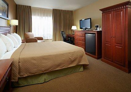 Photo 1 - Quality Inn & Suites P.E. Trudeau Airport-Montreal, 1010 Ch. Herron Road, Montreal, QC, Canada