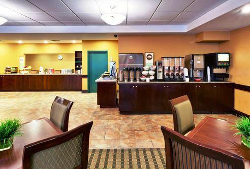 Photo 1 - Country Inn & Suites Niagara Falls, 5525 Victoria Avenue, Niagara Falls, ON, Canada