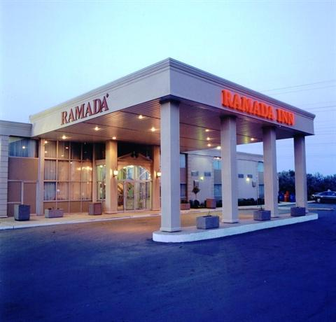 Photo 1 - Ramada London, 817 Exeter Road, London, ON, Canada