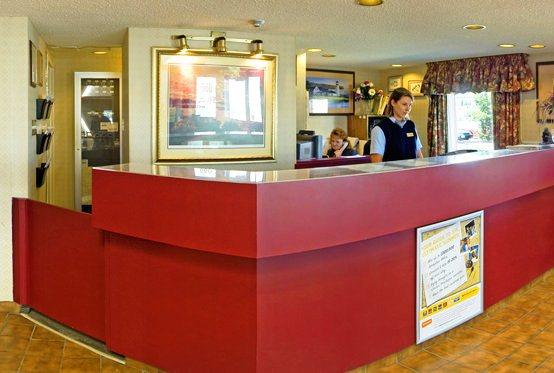 Photo 1 - Comfort Inn Thunder Bay, 660 West Arthur Street, Thunder Bay, ON, Canada
