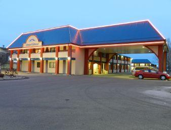 Photo 1 - Howard Johnson Inn Red Deer, 37557 Hwy 2 South, Red Deer, AB, Canada