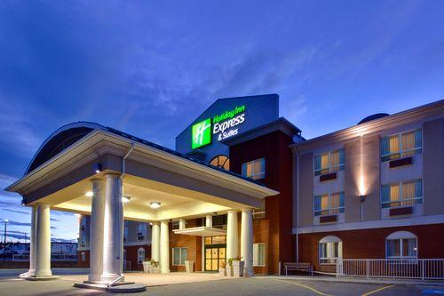 Photo 1 - Holiday Inn Express Hotel & Suites Hinton, 462 Smith Street, Hinton, AB, Canada