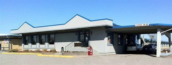 Photo 1 - Canada's Best Value Inn, 325 North Front Street, Belleville, ON, Canada