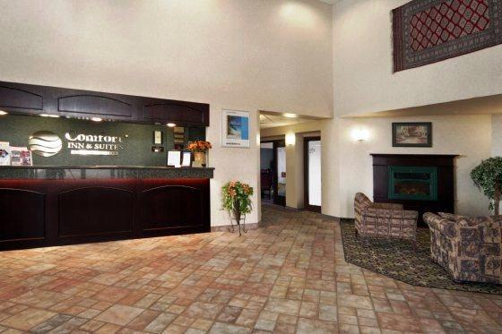 Photo 1 - Comfort Inn & Suites Airport Calgary, 3111 26 Street North East, Calgary, AB, Canada