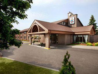Photo 1 - Travelodge Barrie On Bayfield, 300 Bayfield Street, Barrie, ON, Canada