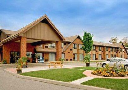Photo 1 - Comfort Inn - Barrie Hart Dr., 75 Hart Drive, Barrie, ON, Canada