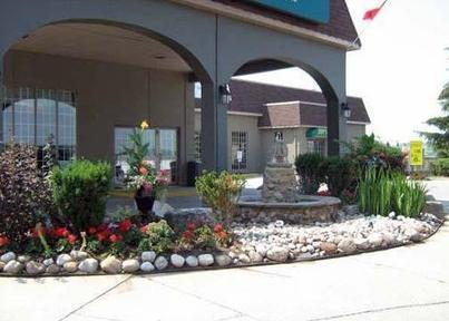 Photo 1 - Quality Hotel & Suites Woodstock, 580 Bruin Boulevard, Woodstock, ON, Canada