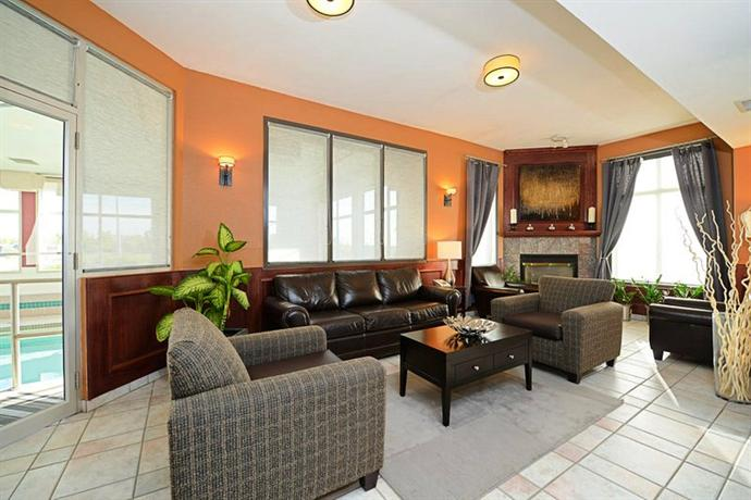 Photo 1 - BEST WESTERN Strathmore Inn, 550 Highway #1, Strathmore, AB, Canada