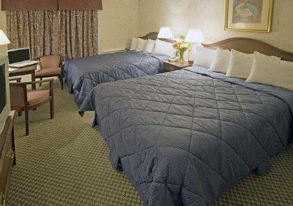 Photo 1 - Comfort Inn Saint Thomas, 100 Centennial Ave., Saint Thomas, ON, Canada