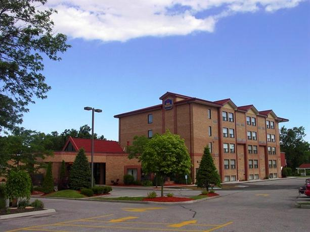 Photo 1 - BEST WESTERN Otonabee Inn, 84 Lansdowne Street E, Peterborough, ON, Canada