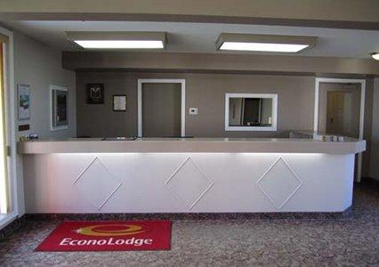 Photo 1 - Econo Lodge New Liskeard, 998006 Hwy 11, Temiskaming Shores, ON, Canada