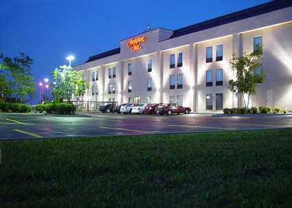 Photo 1 - Hampton Inn Toronto/Mississauga, 7040 Edwards Boulevard, Mississauga, ON, Canada