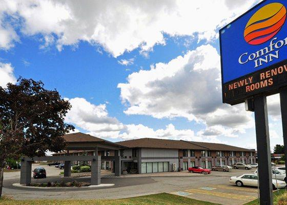 Photo 1 - Comfort Inn Airport West, 1500 Matheson Boulevard, Mississauga, ON, Canada