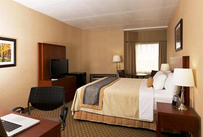 Photo 1 - Best Western Plus Laval-Montreal, 3655 Autoroute des Laurentides, Laval, QC, Canada