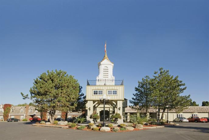 Photo 1 - BEST WESTERN PLUS Parkway Inn & Conference Centre, 1515 Vincent Massey Drive, Cornwall, ON, Canada