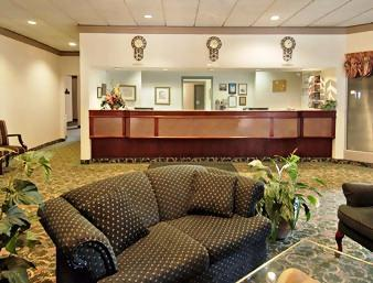 Photo 1 - Days Inn and Suites Collingwood, 15 Cambridge Street, Collingwood, ON, Canada