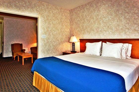 Photo 1 - Holiday Inn Express Lethbridge, 120 Stafford Drive South, Lethbridge, AB, Canada