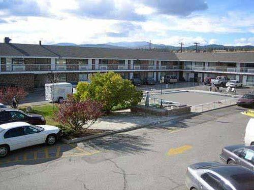 Photo 1 - Econo Lodge Inn & Suites Cranbrook, 1417 Cranbrook Street North, Cranbrook, BC, Canada