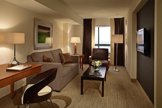 8 Cambridge Suites