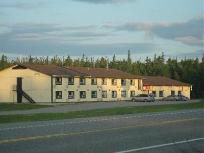 Photo 2 - Peninsula Inn, 17 Highway North, Marathon, ON, Canada