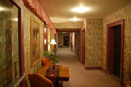 Photo 2 - Hotel Quinte, 211 Pinnacle Street, Belleville, ON, Canada